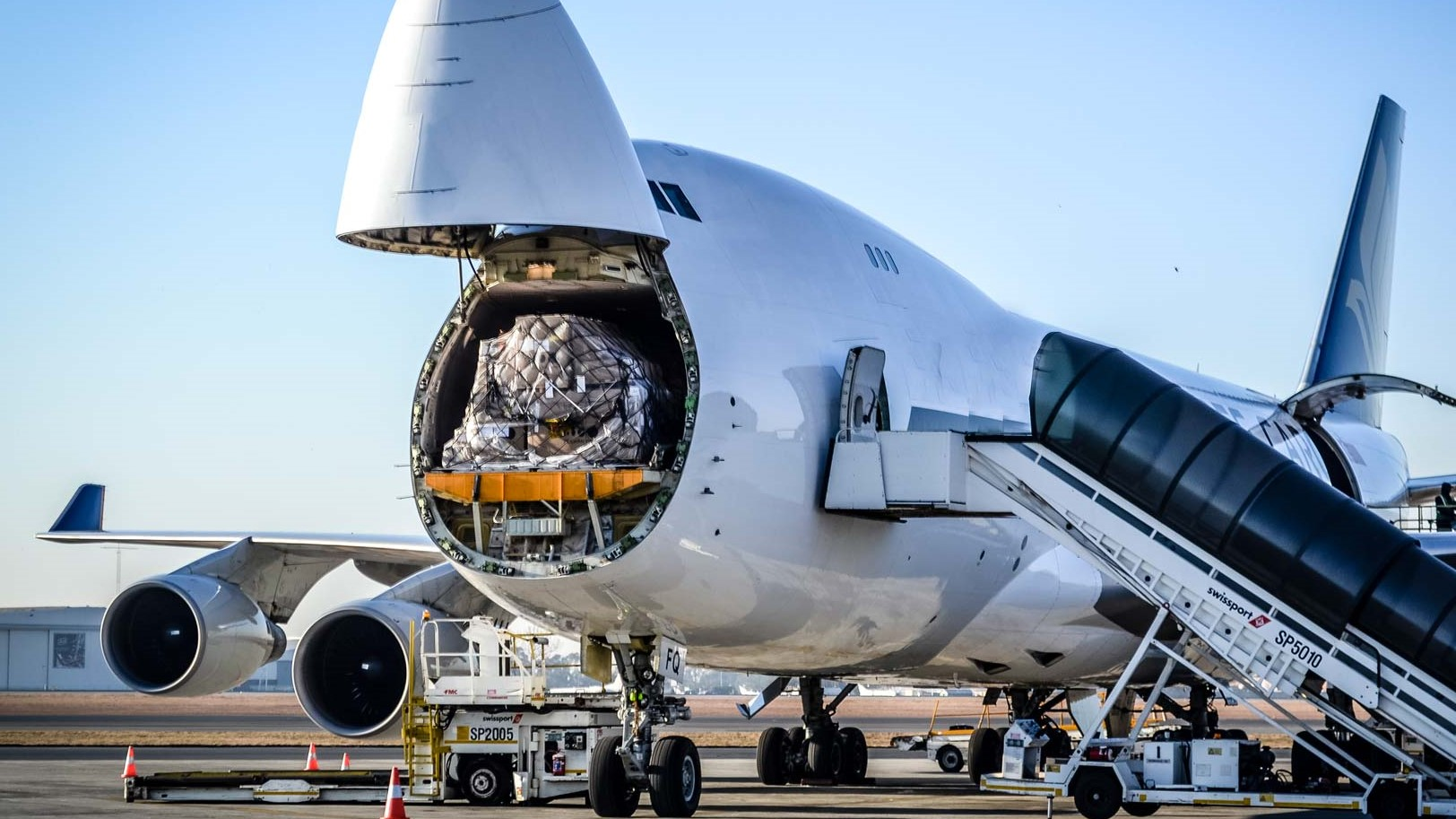 airfreight cargo loading